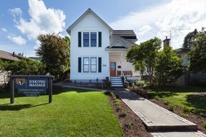 Image of 550 Siskiyou Blvd. Victorian House. Siskiyou Massage